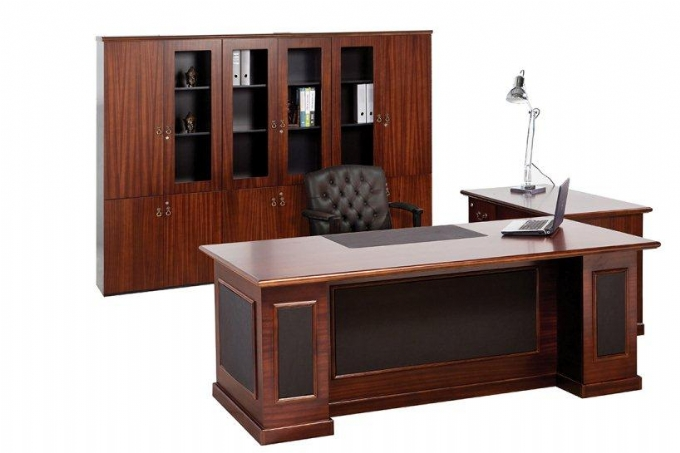 executive-desk-Premier-range-leather