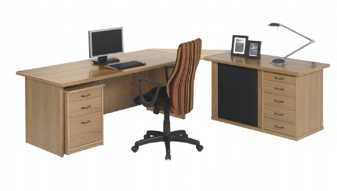 executive-desk-Spaceline-Oak